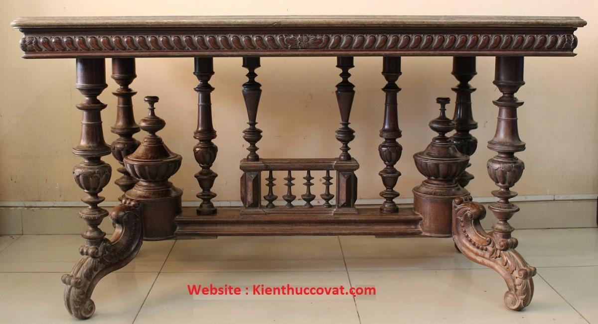Chiếc bàn cổ gỗ cẩm lai - mình mới sưu tầm được tại TP Cẩn Thơ với giá rất hợp lý .
