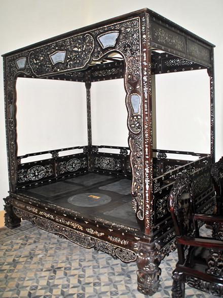 Những món đồ gỗ cổ mang trong mình những giá trị văn hóa và tinh thần rất cao .